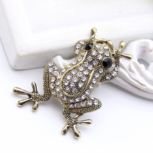 Antique Gold Plated Rhinestone Frog Brooch For Women Animal Jewelry DAT BOI Frog Brooches Broches Ladies Party Scarf Lapel Pins