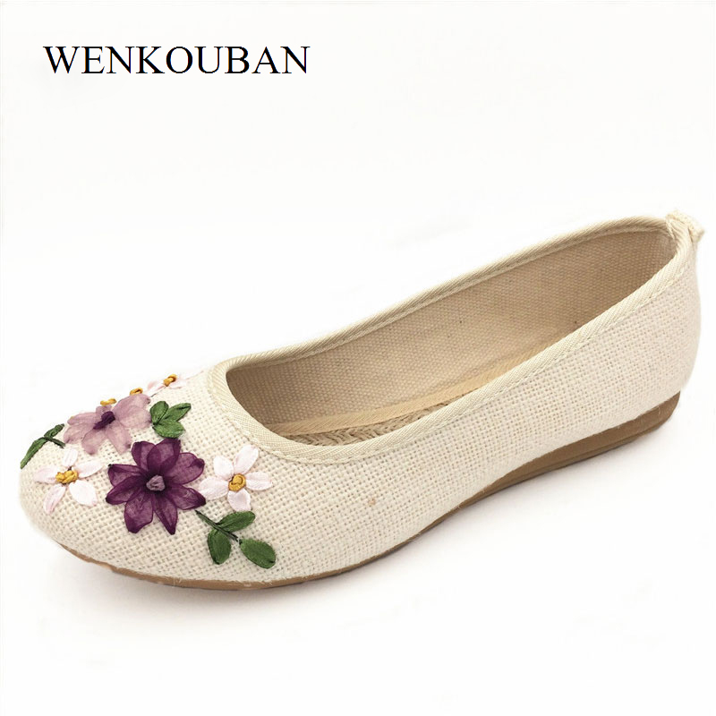 Women Casual Ballet Flats Embroidery Vintage Round Toe Cotton Fabric Slip On Shoes Ladies Flower Flat chaussures femme Plus Size 2017 new women flower flats slip on cotton fabric casual shoes comfortable round toe student flat shoes woman plus size 2812w page 2