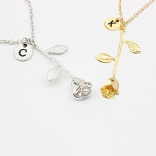 26 Letter Personalized Name Jewelry Rose Engrave Letter Discs Choker Flower Custom Necklace for Woman