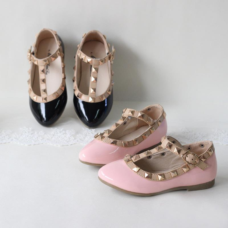 Spring And Summer PU Leather Princess Shoes Female Child Sandals Cutout Child Single Shoes Breathable Rivet T Shoes