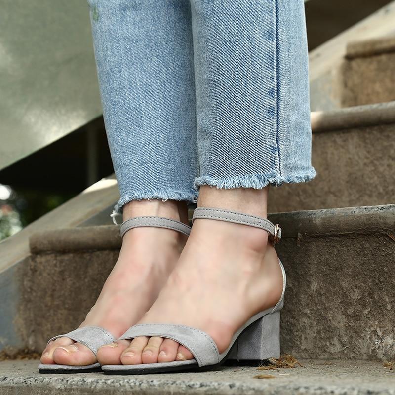 Aufstrebend 2018 Ankle Strap Heels Frauen Sandalen Sommer Schuhe Frauen Offene Spitze Klobigen High Heels Party Kleid Sandalen Große Größe 45