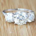 Queen Brilliance 4.7 Carat ct 3 Stone GH Color Wedding Band Anniversary Lab Grown Moissanite Diamond Ring 14K 585 White Gold