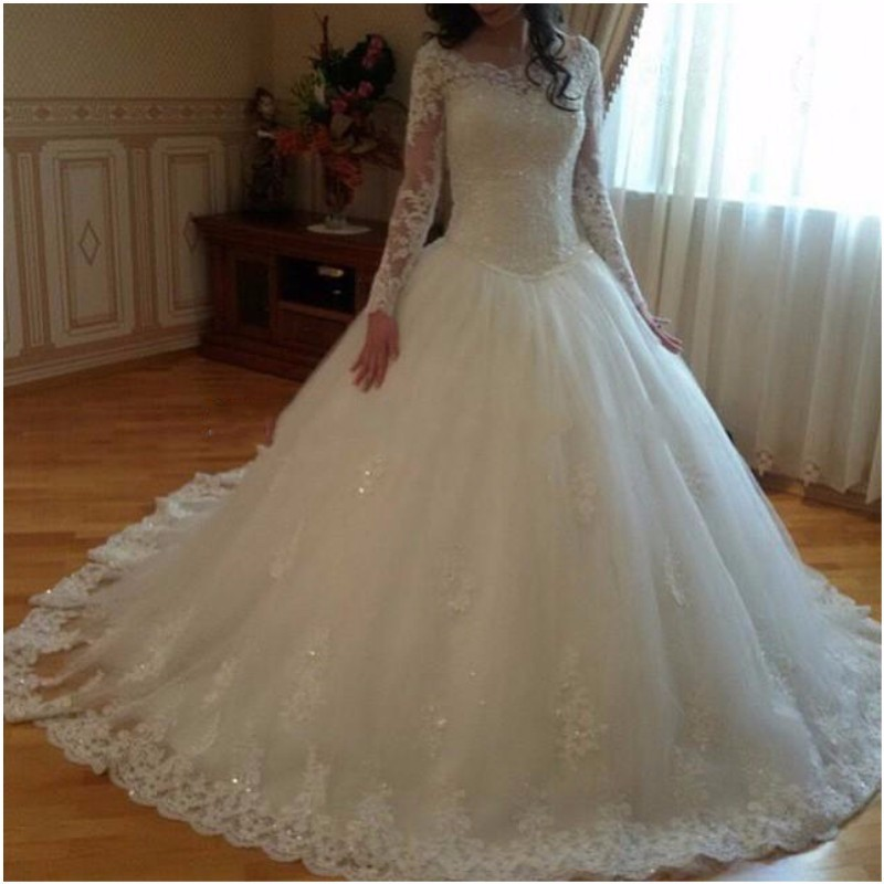 African Plus Size Wedding Dresses Long Sleeves Lace Appliques South Arabic Ball Gown Long Train Bridal Gowns Wedding Gowns