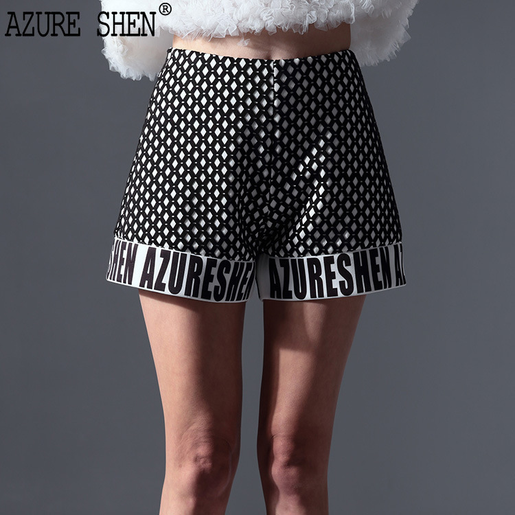 [AZURESHEN] Tailor-made 2018 New Spring Summer Printing Composite Polka Dot Black White Hit Color Regular Shorts AZ21