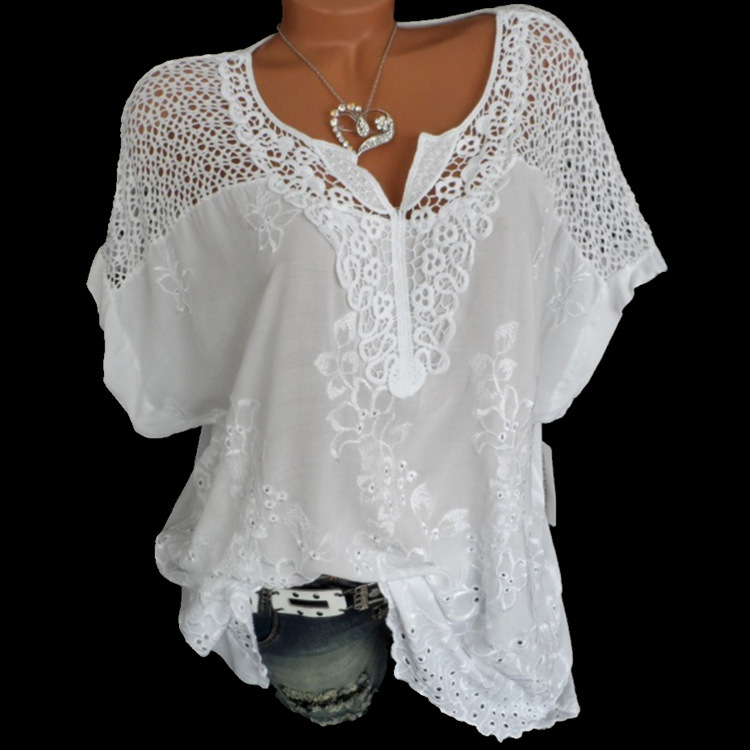 4XL נשים של תחרה חולצות סקסי V צוואר קצר שרוול רקום עטלף רופף חולצה קיץ לבן חולצות מתוק בתוספת גודל 5XL חולצות