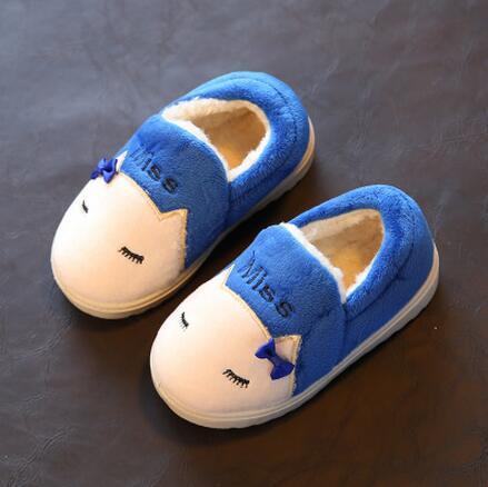 Новый 2016 мода зима тапочки дети мультфильм хлопка обувь Пакет с противоскользящей обувь бытовая тапочки дети