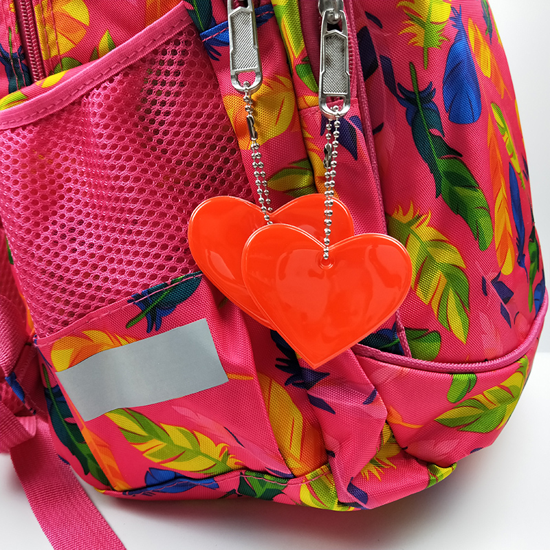 Cute Heart Shape Reflective Keychain Bag Pendant Student School Bag  Accessories Soft PVC Reflector Keyrings For Visible Safety