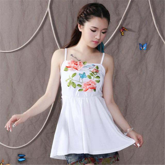 Estilo do verão Mulheres Regatas Qualidade Preto E Branco Bordado Camisa Sem Mangas de Moda de Nova Praia Sexy Longo Camis