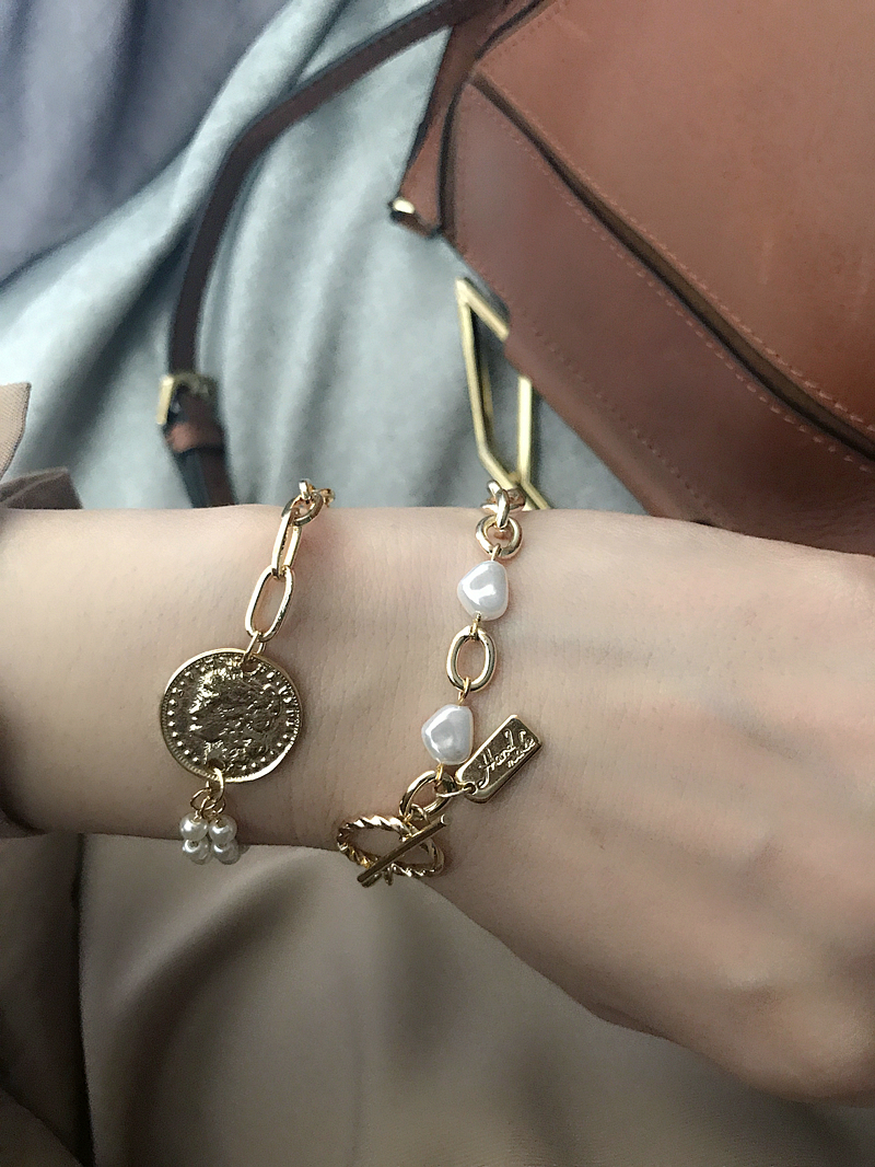 HUANZHI 19 New Gold Color Baroque Irregular Pearls Link Chain Tassel Bracelets for Women Girl Party Bangle Jewelry Gift 12