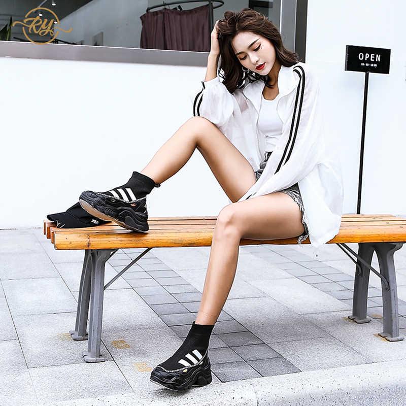 RY-RELAA النساء رياضية 2018 فاخر النساء المصممين جلد طبيعي أسود أحذية رياضية حذاء كاجوال النساء أحذية أوف وايت