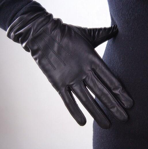 Women'a Natural Sheepskin Leather Glove Lady's Genuine Leather Black Color Fashion Driving Glove R623