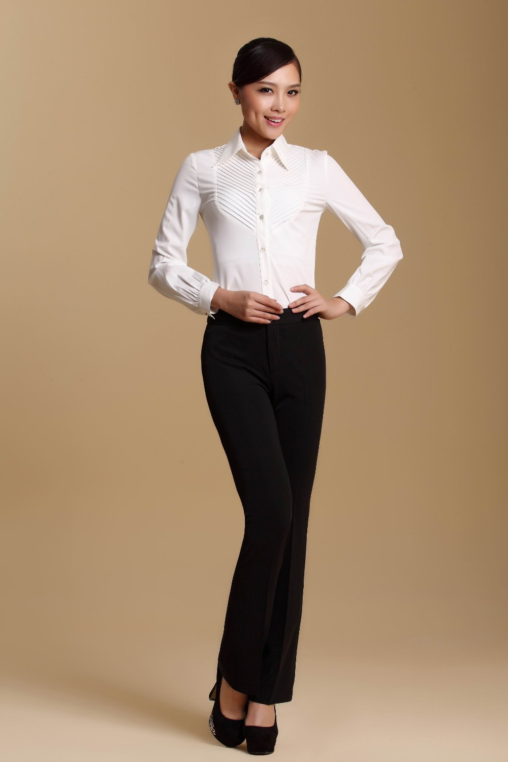 Wonderful I Almost Like The Pants  Woman  Professional  Profession  Passion  Dream  Goals  Office  Offices  Conference Rooms  Business Outfits  Networking  Tweed Jacket, Loafers, Fitted And Rolled Up Jeans, Skinny Belt, Button Down Shirt, Glasses