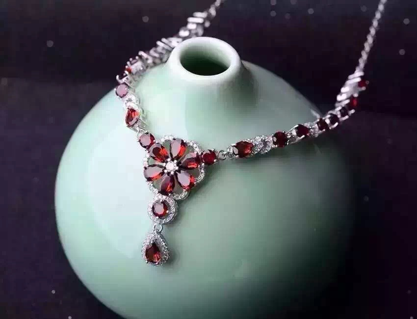 Natural red garnet Necklace natural gemstone Pendant Necklace S925 silver Fashion Luxury flower clusters women wedding Jewelry