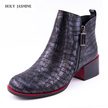 Hot sale Women Boots 2018 New Fashion Shoes Woman Genuine Leather Ankle Boots  Square heel Round Toe Zipper Boots Free shipping