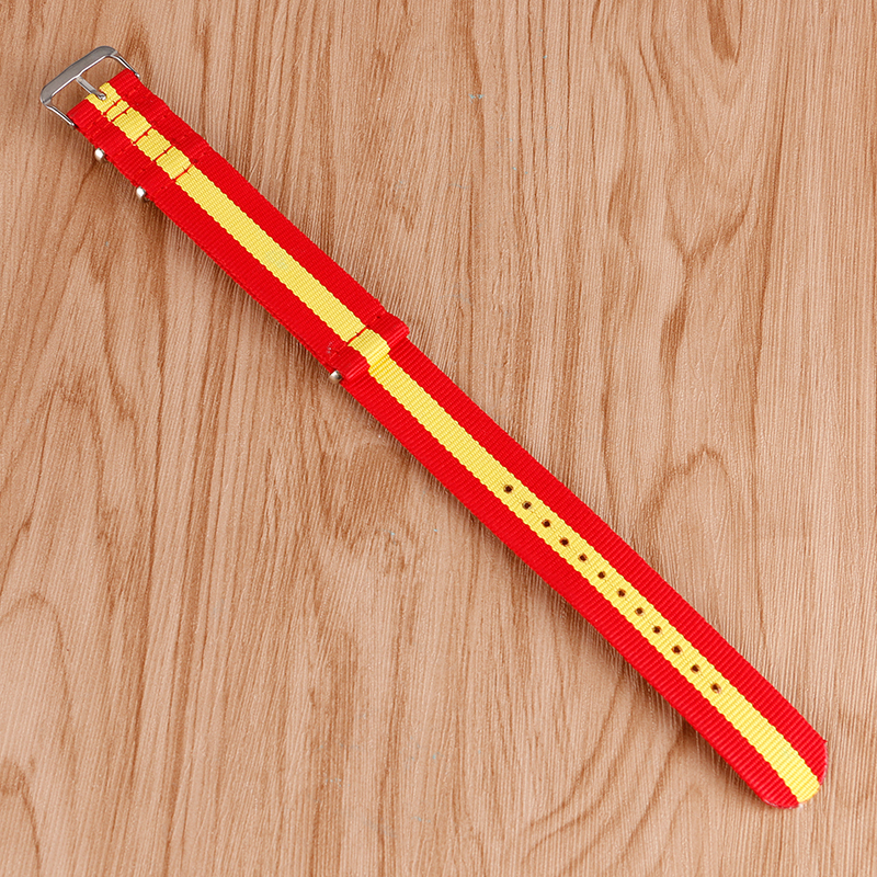 купить 22mm Fabric Nylon Canvas Watch Band Strap NATO Spain Flag Style Red Yellow Stainless Steel Buckle Sports Casual Replacement по цене 119.52 рублей
