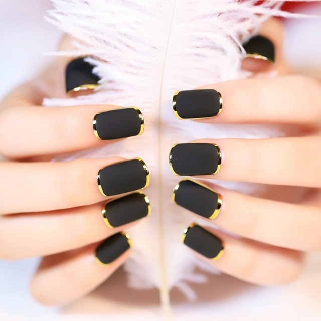 Phnom Matte Fake Nails 1 Set24pcs Elegant Black Gold Line Nail Art