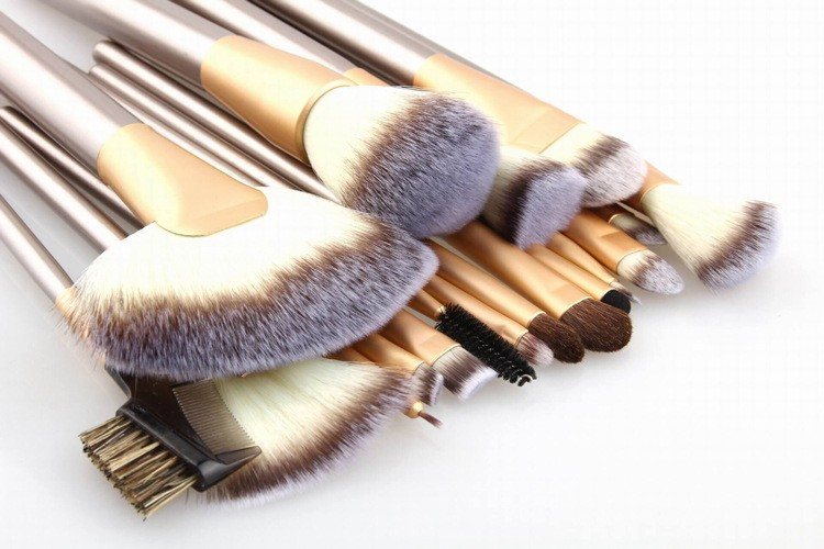 12-18-24Pcs-makeup-brushes-Professional-tools-Cosmetic-Makeup-Brush-set-Foundation-Brush-for-Make-up (2)