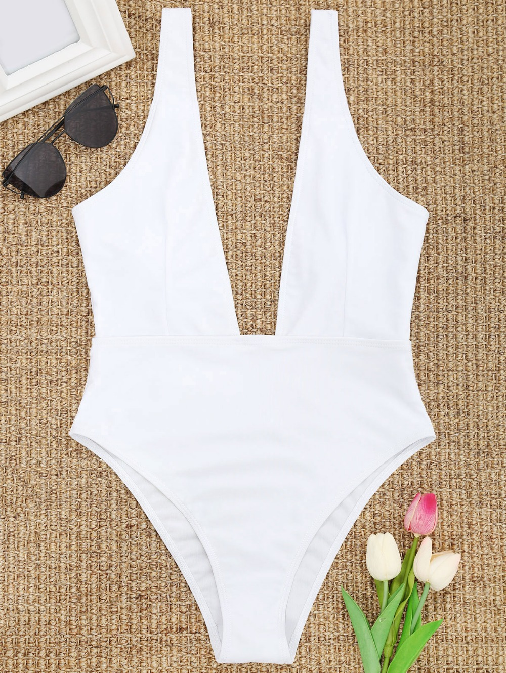 2018 Sexy Deep V Neck One Piece Swimsuit Women Backless Swimwear Monokini Black White Bathing Suit Bodysuit Romper Mujer white sexy deep v neck backless swimwear