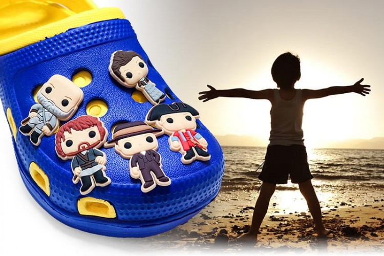 Hot Sale 1PCS Outlander PVC Shoe Charms Shoe Buckle Accessories For Decoration For Bracelet With Hole Kids Party Gifts