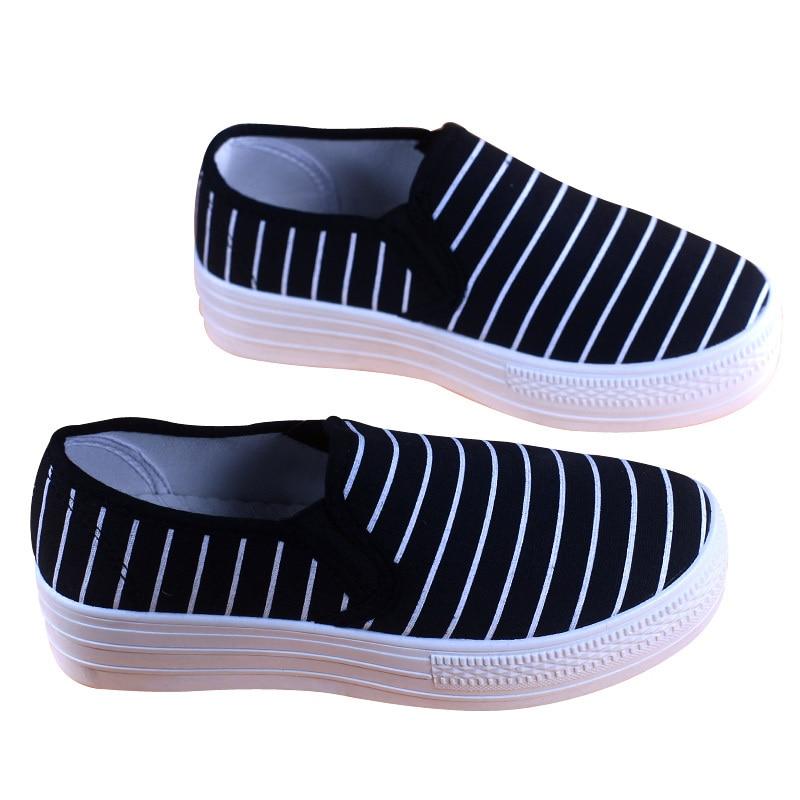 d91477564 Pop Venda Altura Crescente Tênis de Lona Sapatos de Plataforma de Salto Alto  das mulheres Preto Branco Listrado Flats Deslizar Sobre Sapatos Femininos  em ...