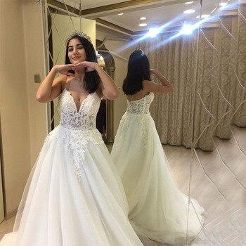 2019 Charming Lace Appliques Wedding Dresses Princess V-neck Spaghetti Straps White Ivory Bridal Dress Vestido de Noiva
