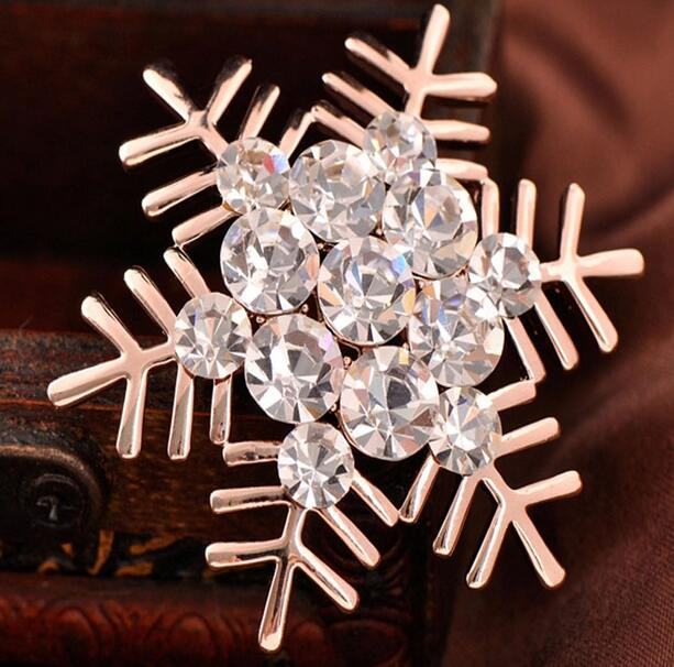 All-match Snow Crystal Rhinestone Brooch Christmas Unisex clothin Cat Eye Stone silver Popular Drip Badge Pin Suit