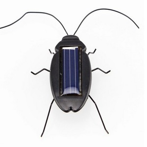 Novelty Toys Solar Cockroach E