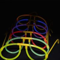 24 GLOWSTICKS GLASSES & 100 glow sticks PARTY NEON RAVE FAVORS