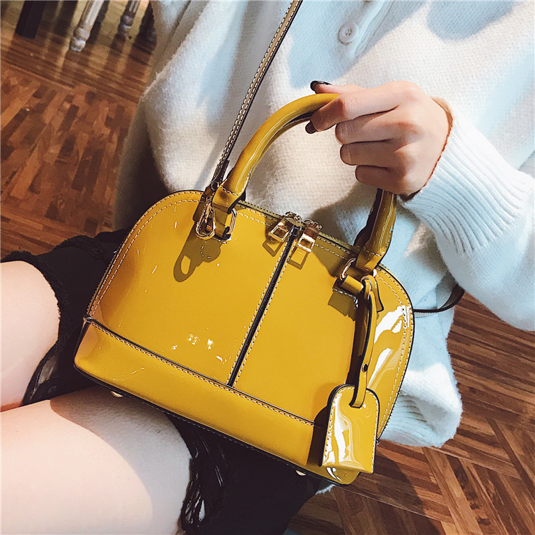 Women's Designer Handbag 2018 New high-Quality PU Leather Women Tote bag Patent leather Shell bag Simple Stitching Shoulder bag jialante 2017 new lizard leather bag is made of simple small shell bag customized for 15 days