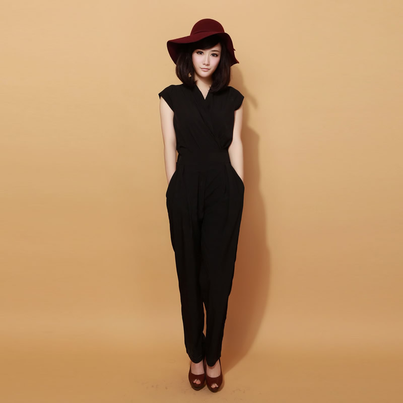 2018 Deep V Neck Sleeveless High Waist Jumpsuit Black Elastic Waist Jumpsuit Women Casual Jumpsuit for Summer