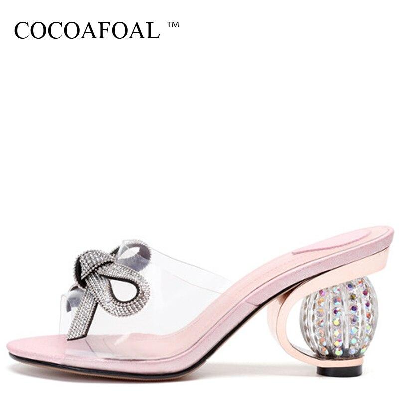 COCOAFOAL Для женщин прозрачные шлепанцы Розовый Серый Большой размер 43 Лето горный хрусталь Тапочки ясно каблуки прозрачные Sandbeach шлепанцы