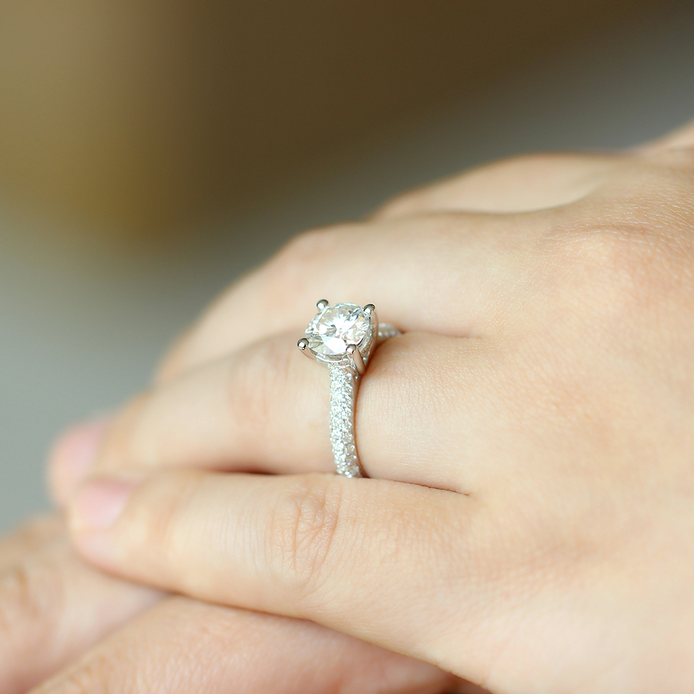 moissanite ring with accents (20)