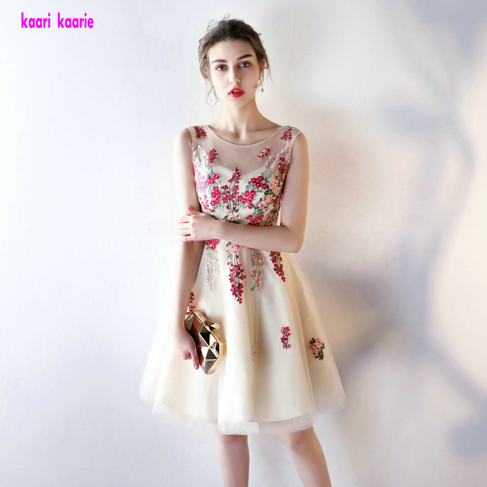 Fashion Champagne Lace Short Prom Dresses 2019 New Scoop Colorful Appliques Tulle A Line Homecoming Dresses vestido de formatura