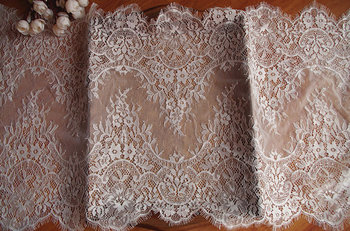 ivory chantilly lace trim with retro floral, 9 yards