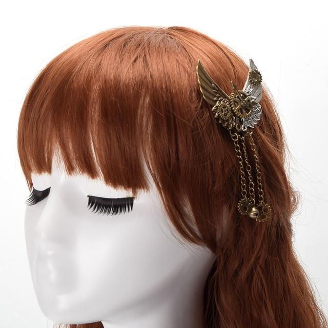 Стимпанк брошка с крыльями и шестеренками 1