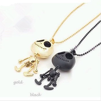 2018 HOT free shipping Necklace fashion generous eyes UFO alien Skull Necklace