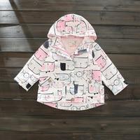 Демисезонный Стиль куртка с капюшоном с рисунком кота розовая куртка для девочек Новинка 2017 года брендовая ветровка для девочек детская од...