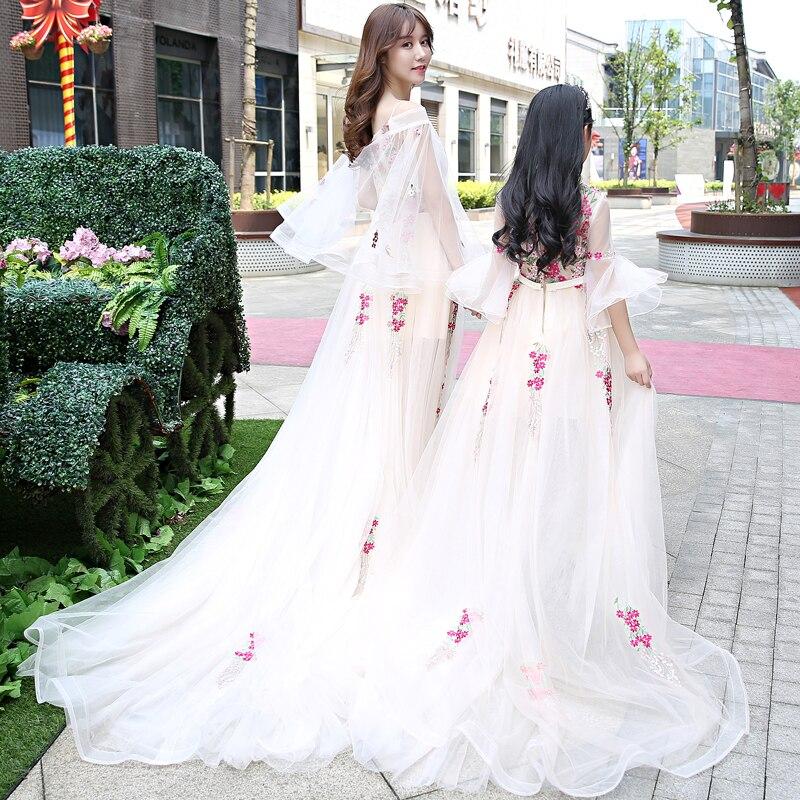 Famille mariage soirée vêtements mère fille correspondant robes de mariée maman bébé fille vêtements Tutu fleur filles robe de bal - 5