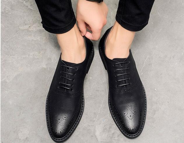Respirável chocolate Pequenos Sapatos Casuais Brogue De Oco Esculpido Dos Couro Britânico Homens Juventude Preto Aumentar Tendência SZ4q4tOw