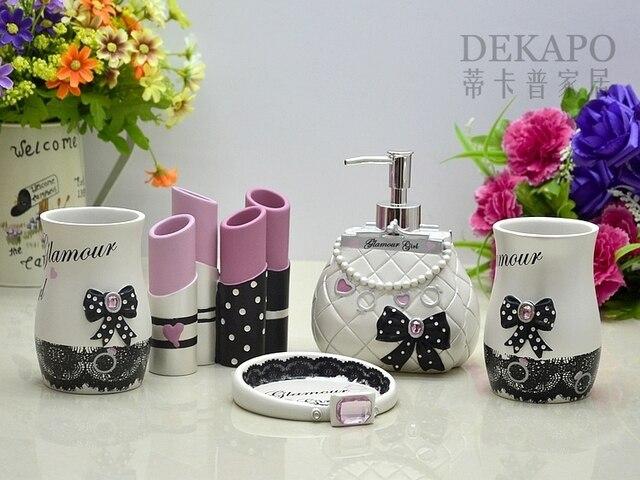 Fashion Resin Bathroom Set Five Pieces Set Bathroom Supplies Sweet Theme  Charming Girl Novalty Shaping Decoration