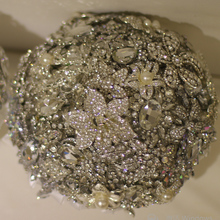 9-inch custom bridal bouquet,Luxurious atmosphere brooch bouquet, wedding bouquet gemstones,Full diamond surrounded handle