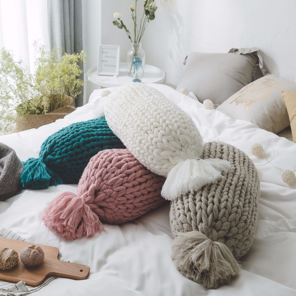 Aran Weight Woolen Knitted Cushion Home Sofa deco European Style handmade Candy and Round woven Decorating Cushion Hot Sale