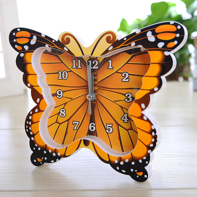 Home Decoration And Furnishing Articles Couple Characters: Color Butterfly Modelling Scan Clock, Creative Couple