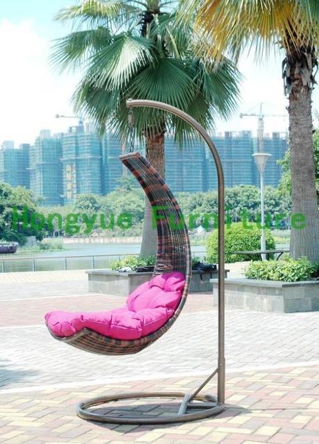 Patio brown rattan hanging chair,outdoor wicker hanging chair