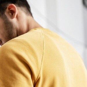 Image 5 - SIMWOOD 2020 봄 뉴 후드 남성 100% 코튼 찢어진 세부 빈티지 고품질 스웨터 편지 플러스 사이즈 까마귀 190083