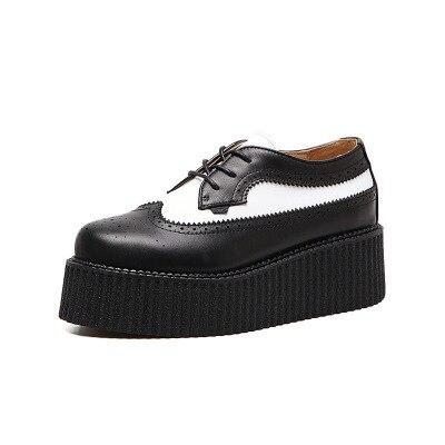 Britannique noir et blanc couleur correspondant plate-forme femme Harajuku rétro baroque unique chaussures ronde tête sangle sauvage plate-forme chaussures