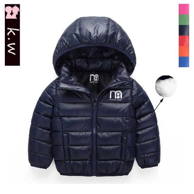 Marca KW 2016 Nuevo Invierno de la Capa Caliente Muchachas de Los Bebés prendas de abrigo y Abrigos de Moda de Pato Blanco Abajo Cubre La Chaqueta para niños