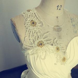 Image 5 - アメージング真珠イリュージョンロングイブニング弓シアーバックノースリーブのセクシーなフォーマルな日のmother花嫁ドレス