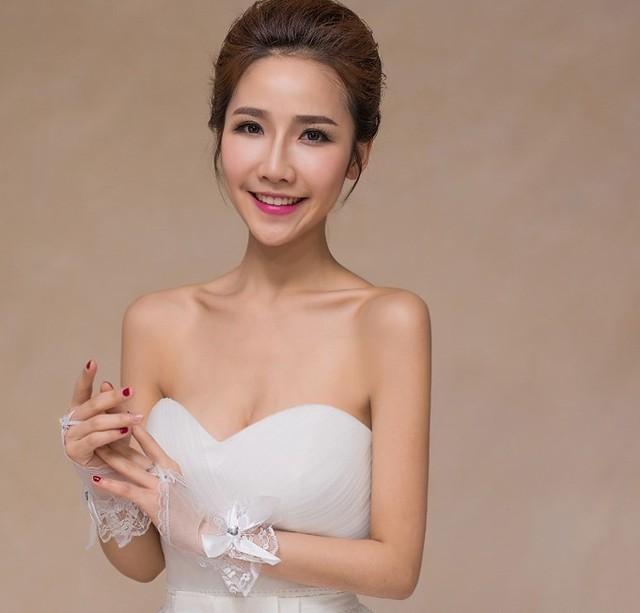 Don Nupcial Branco Elegante Beading Arco Acessórios 2017 Luvas de Luvas de Casamento De Noiva