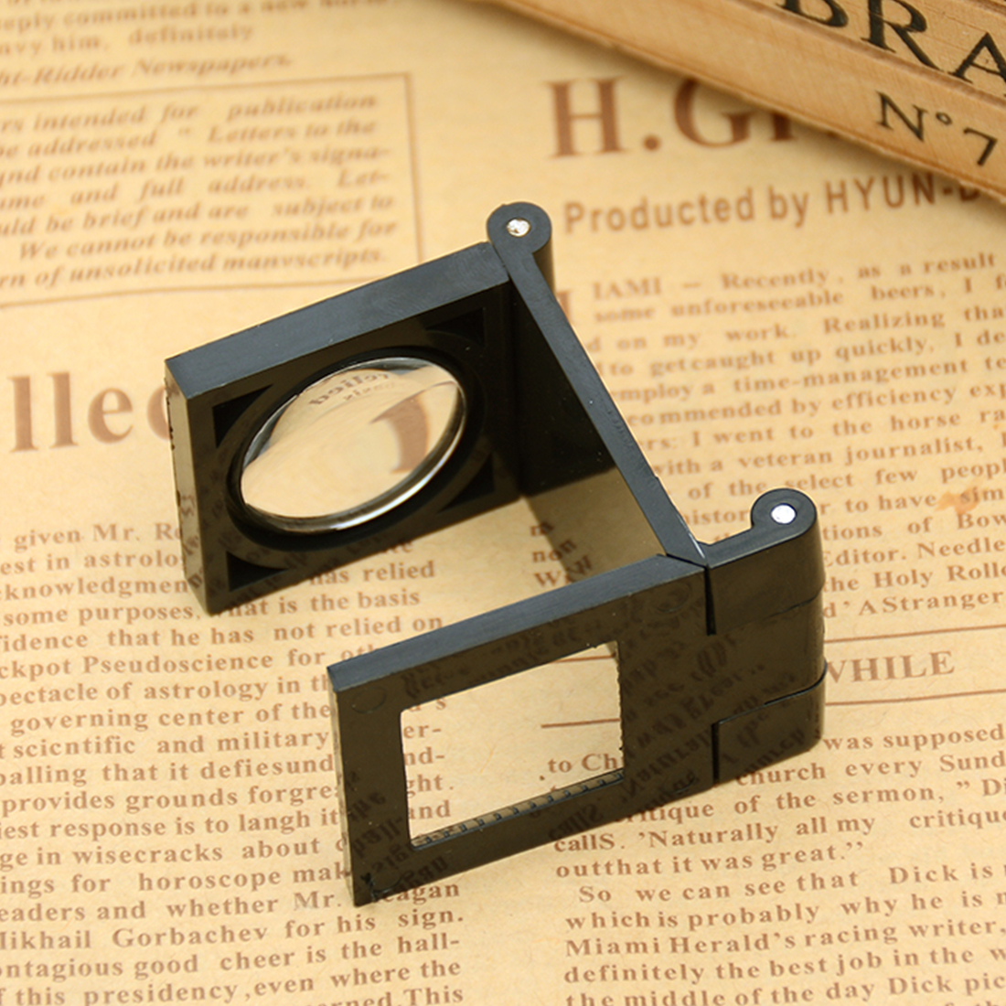 22MM Mini Foldable Scale Magnifier LED Illumination Light Printing Fabric 8x Magnification Lupa Optical Lenses Magnifying Glass